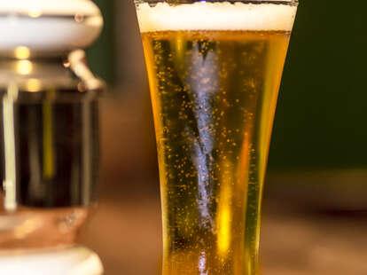 fresh poured draft beer irish bar