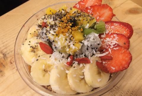 acai bowl, acai bowls, fruit toppings