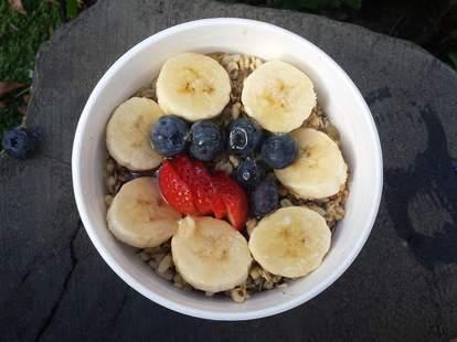 acai bowl, banana, blueberry, strawberry, granola