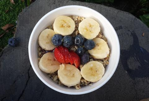 acai bowl, banana, blueberry, strawberry, granola