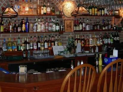 Greenisland Irish Pub & Restaurant cleveland oh interior