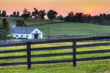 kentucky fields and farmhouse