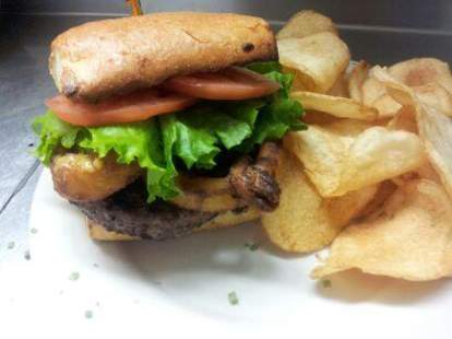 burger chips PJ McIntyre's Irish Pub cleveland