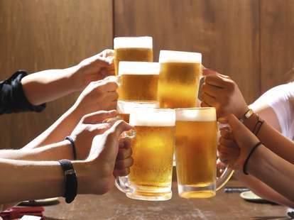beers, group drinking beers, cheers