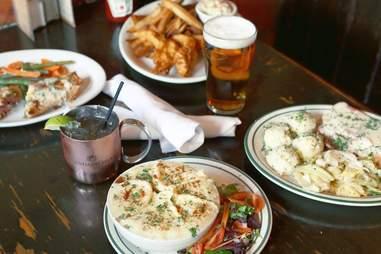 The Field Irish Pub in San Diego