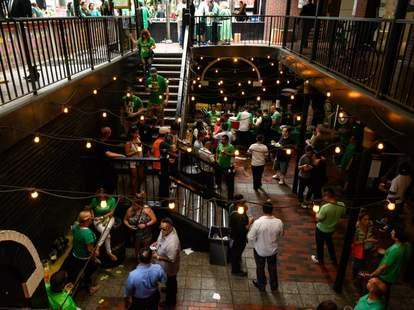 Casey's Irish Pub, Los Angeles Irish Bars