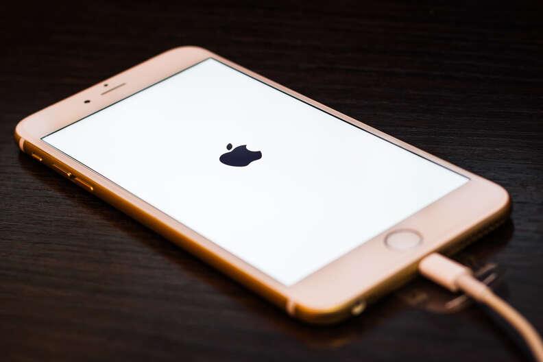 iphone 6 restarting