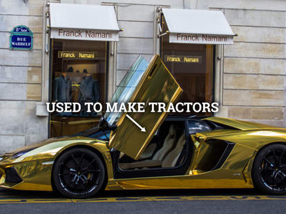 Lamborghini Aventador wrapped in Gold