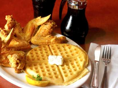 Gladys Knight & Ron Winans Chicken and Waffles syrup