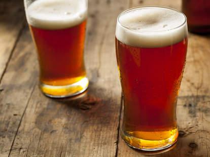 beer, dark amber beer, beer glasses