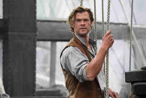 chris hemsworth in the heart of sea