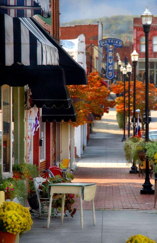 clinton downtown street