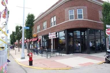 Metro Pub