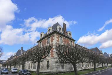 Hôpital Saint-Louis and Musée des Moulages in Paris