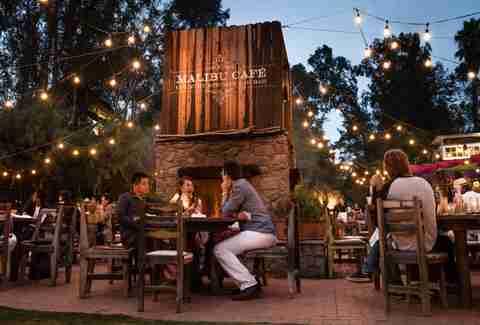 The 13 Best Restaurants And Bars In Malibu Thrillist
