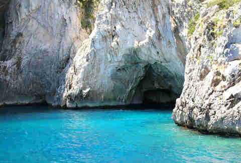 grotto in capri italy amalfi coast