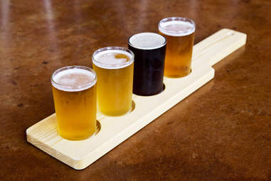 beer flight chilly water brewing