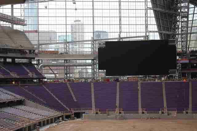 US Bank Stadium, US Bank Stadium interior