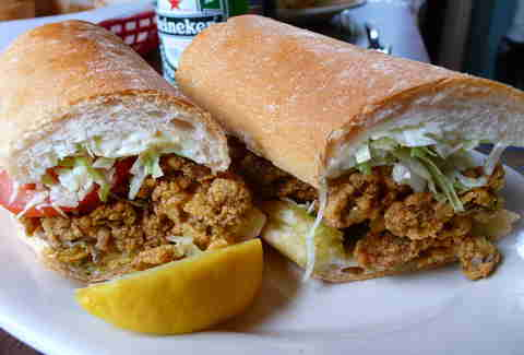 fried oyster po'boy