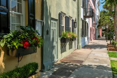 charleston rainbow row south carolina