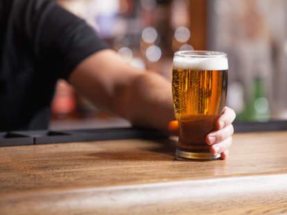 bartender serving beer, beer, bar, beer bar