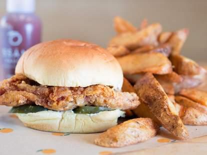 Momofuku fried chicken sandwich new york city