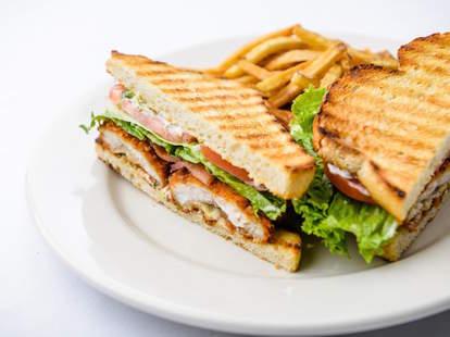Hell's Kitchen Minneapolis, Walleye sandwich
