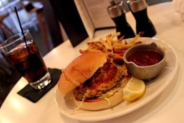Firelake Minneapolis, Walleye sandwiches