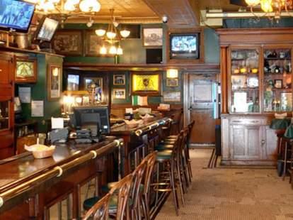 River Shannon Irish bar in Chicago