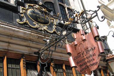 cittie of yorke bar in london