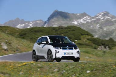BMW i3 has an early form of self-driving capacity