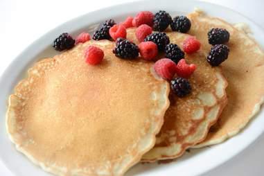 BlueLine Diner pancakes in Niagara Falls