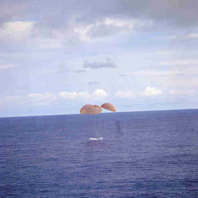 apollo 13's splashdown in the pacific