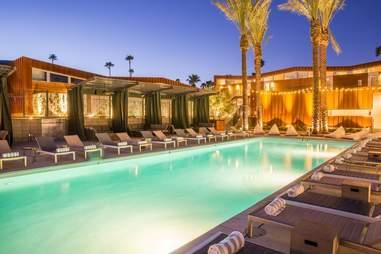 arrive hotel palm springs pool