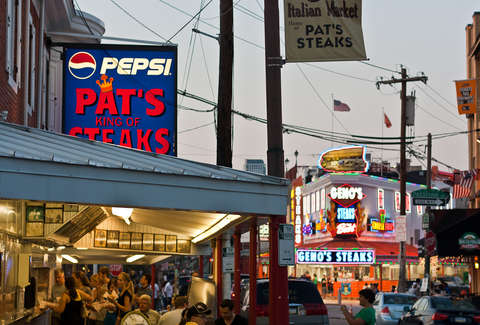 pat's and geno's cheesesteak
