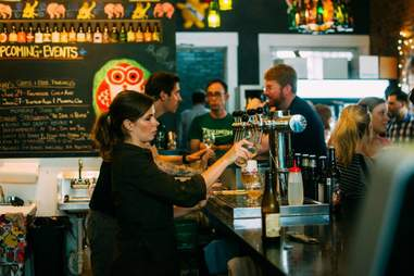 Louisville Beer store bartender