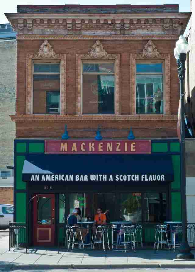 mackenzie scottish bar minneapolis beer