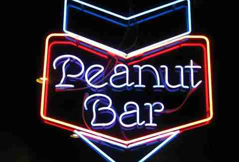williams pub and peanut bar minneapolis