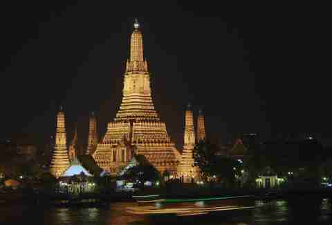 thailand wat arun at night