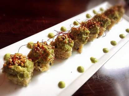 RICE Asparagus&Carrot Tempura roll with Quinoa sauce and Avocado sauce
