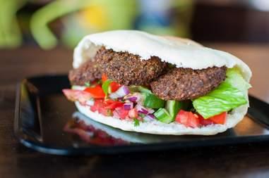 Bella Pita, falafel sandwich