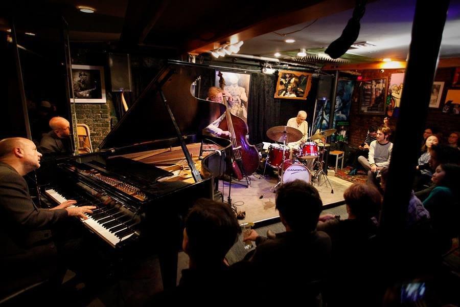 Smalls Jazz Club A New York Ny Bar