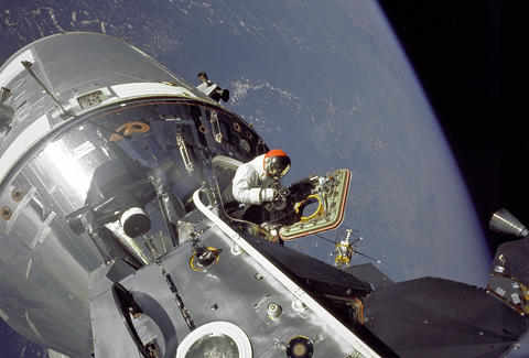NASA 1969 Apollo 9