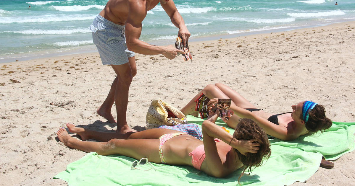 Girls naked beach Free Nudist
