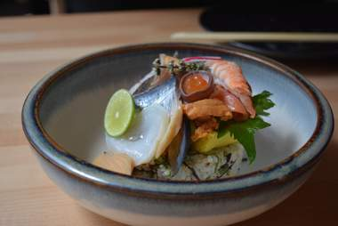 bowl of sushi from Hamasaku