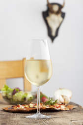 white wine pizza salad food pairings
