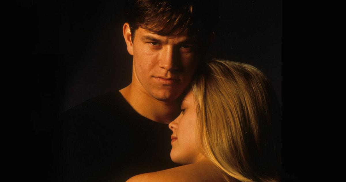 An Ode to 'Fear,' Mark Wahlberg's Batshit 1996 Teen Thriller