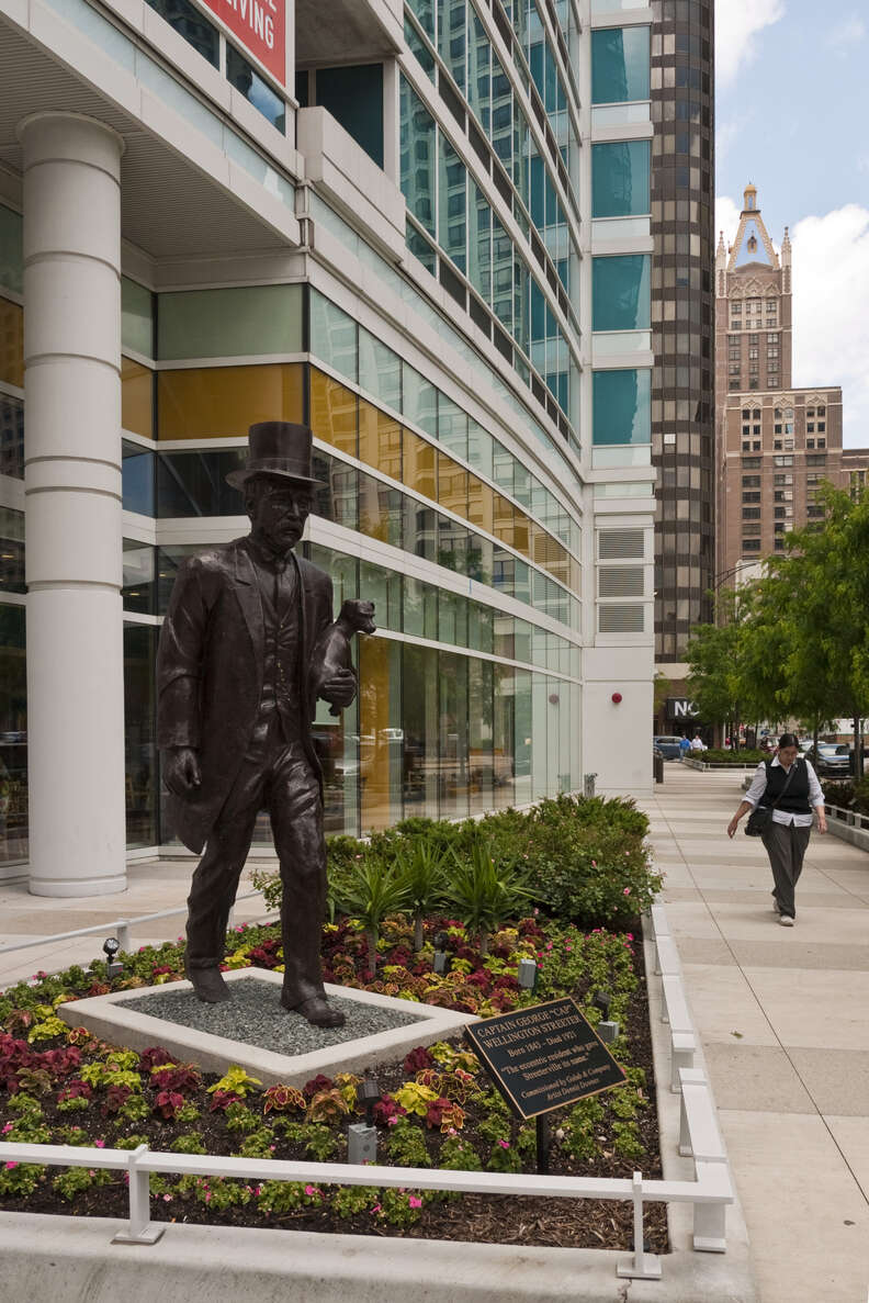 streeterville statue chicago