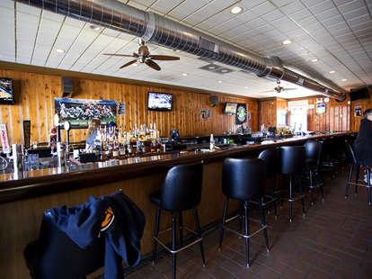 Fischman Liquors chicago bar thrillist interior