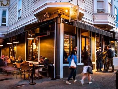 The Monk's Kettle corner chicago thrillist exterior outside